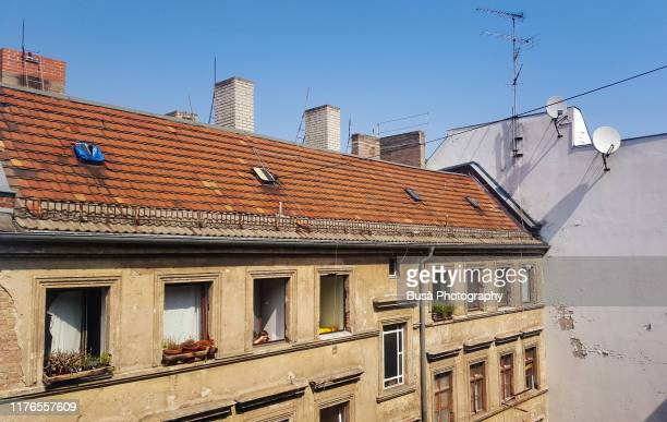 facade of old house in east berlin, germany - east germany stock pictures, royalty-free photos & images