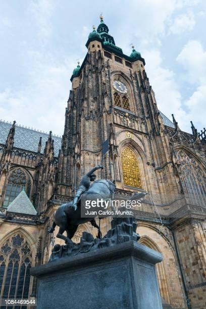 facade of st. vitus cathedral, prague castle, prazsky hrad, prague, czech republic, europe - st vitus's cathedral stock pictures, royalty-free photos & images