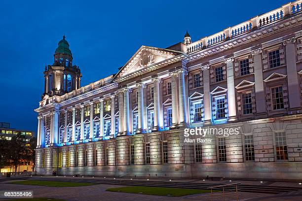 facade of the baroque belfast city hall - donegall square stock pictures, royalty-free photos & images