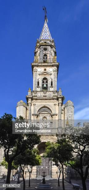 facade of the church of st. michael in jerez de la frontera, andalusia, spain - jerez de la frontera fotografías e imágenes de stock