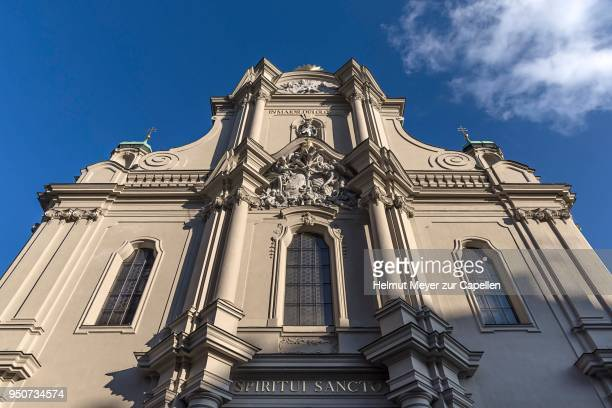 facade of the heilig-geist-kirche, baroque, munich, bavaria, germany - kirche stock pictures, royalty-free photos & images