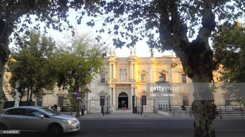 Facade of the University of Seville at dawn. : Foto de stock