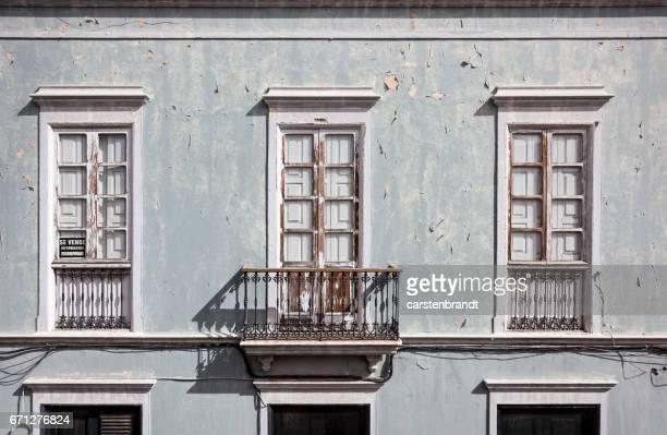Fachada de una casa española