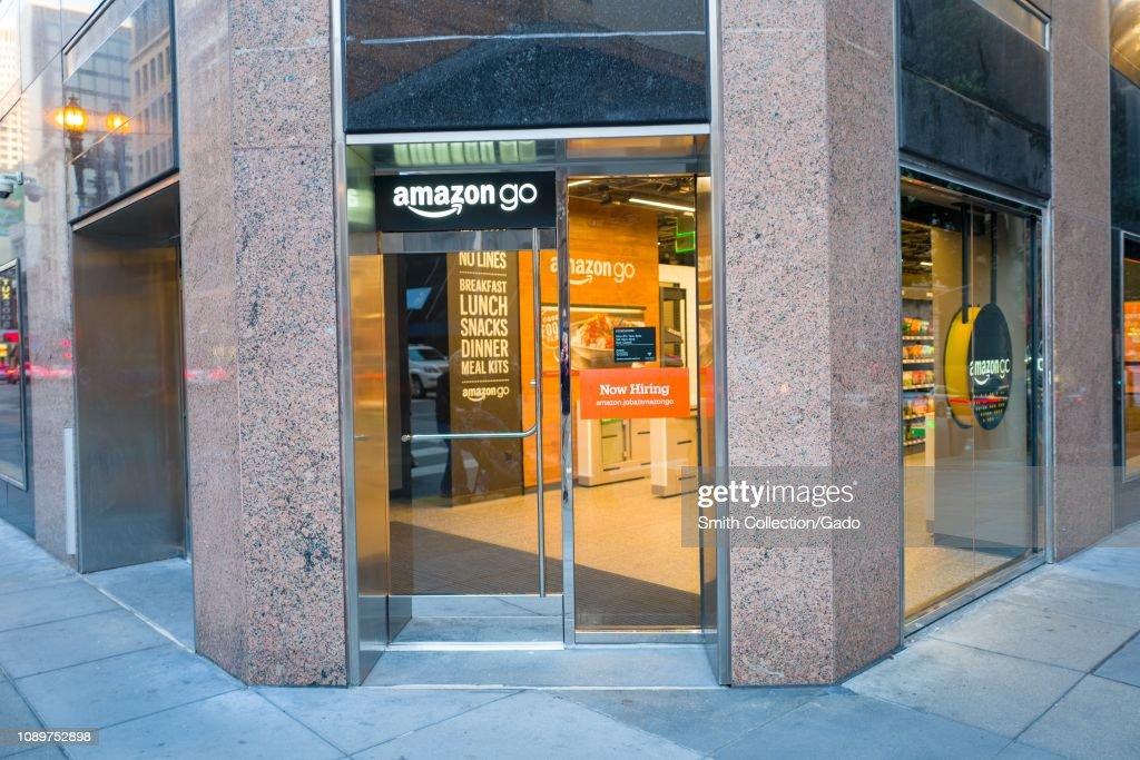 Amazon Go : News Photo