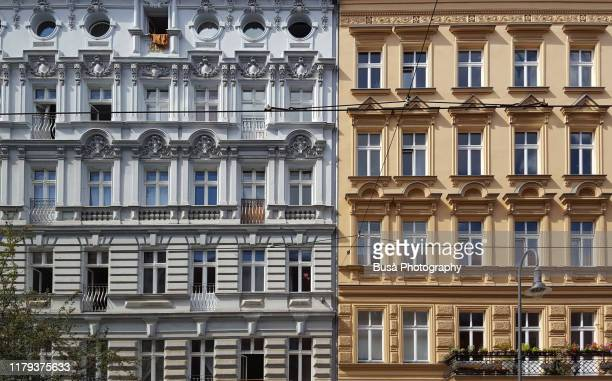 facades of pre-war residential buildings in the district of mitte, berlin, germany - gebäudefront stock-fotos und bilder