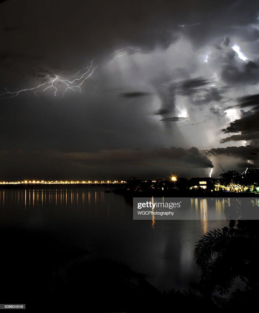 Cara en las nubes : Foto de stock
