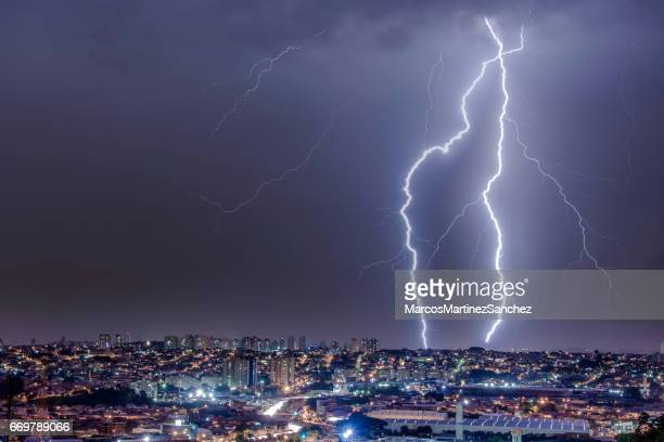 face of a storm - weather stock pictures, royalty-free photos & images