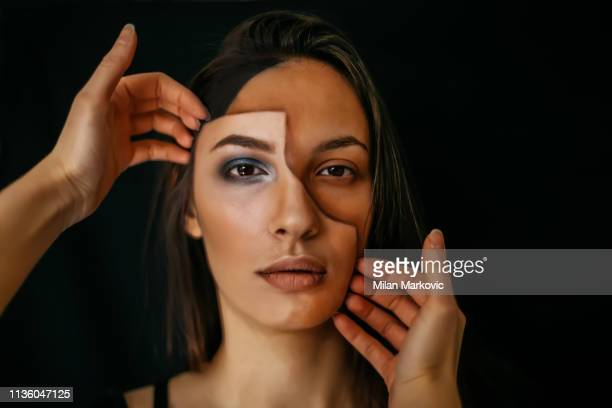face painting - optical illusion - face masks imagens e fotografias de stock