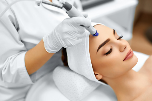 Face Skin Care. Facial Hydro Microdermabrasion Peeling Treatment 501398614