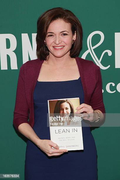 Facebook COO Sheryl Sandberg attends a talk to promote her book Lean In Women Work And The Will To Lead With Sheryl Sandberg Chelsea Clinton at...
