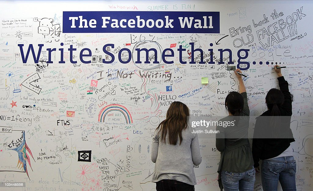 Facebook Executives Reveal New Features For Popular Social Networking Site : News Photo