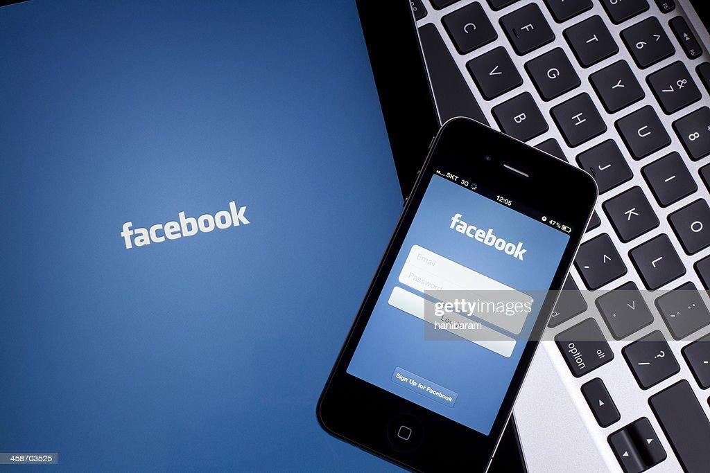 Facebook on Digital Tablet : Stock Photo