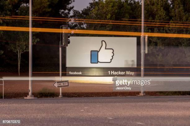 hacker facebook-1 moyen - siège social photos et images de collection