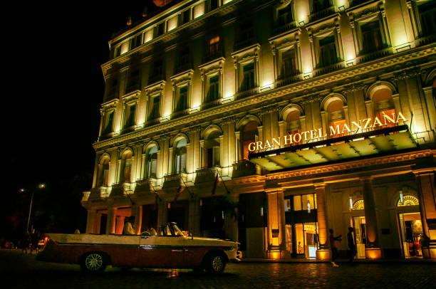 Fachada principal del Gran Hotel Manzana. La Habana, Cuba.
