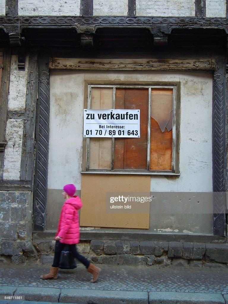 Quedlinburg - Fachwerkruine zum Verkauf : News Photo
