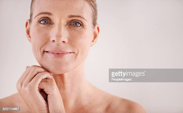 facing age with a carefree attitude - human skin stock pictures, royalty-free photos & images