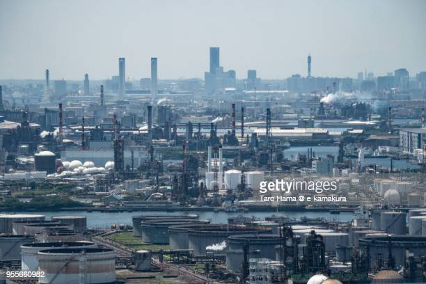 factory area in kawasaki city in japan daytime aerial view from airplane - 川崎市 ストックフォトと画像