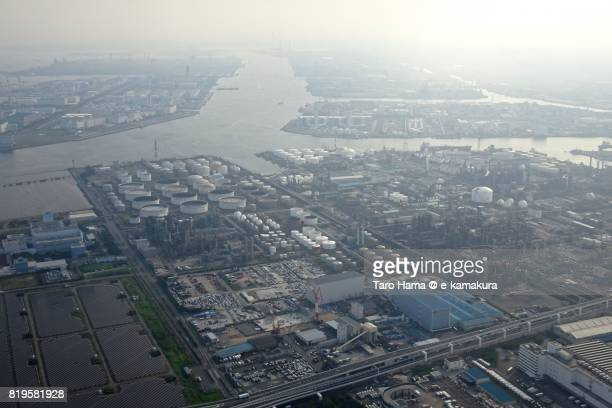 factory area in kawasaki city in kanagawa prefecture sunset time aerial view from airplane - 川崎市 ストックフォトと画像