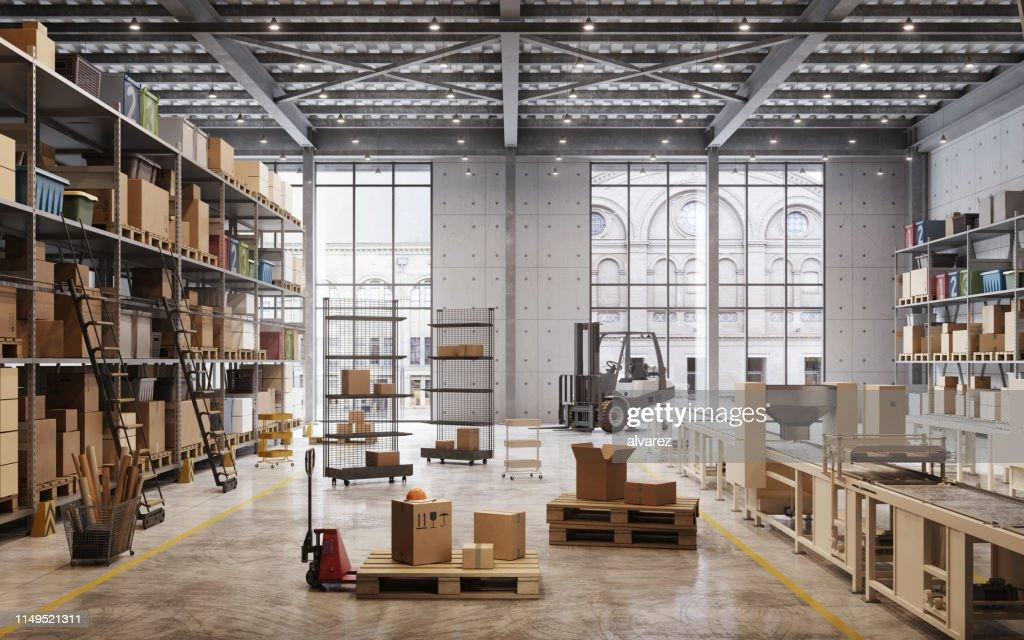 Werkslager im Inneren : Stock-Foto