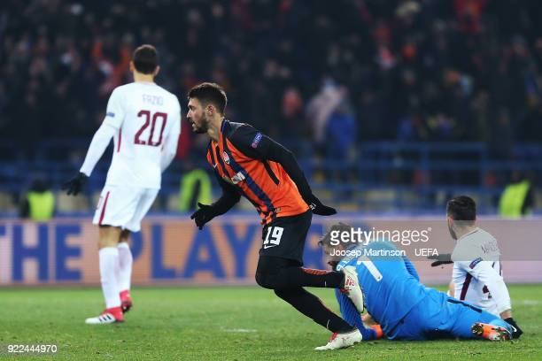 Facundo Ferreyra of Shakhtar Donetsk scores a goal during the UEFA Champions League Round of 16 First Leg match between Shakhtar Donetsk and AS Roma...