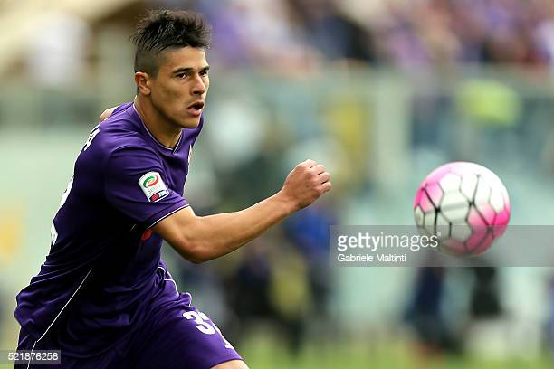 Facundo Ronacaglia of ACF Fiorentina in action during the Serie A match between ACF Fiorentina and US Sassuolo Calcio at Stadio Artemio Franchi on...