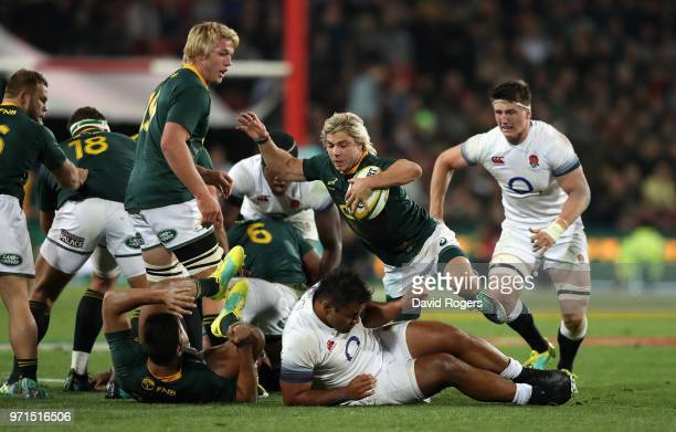 Faf de Klerk of South Africa breaks with the ball during the first test match between South Africa and England at Elllis Park on June 9 2018 in...
