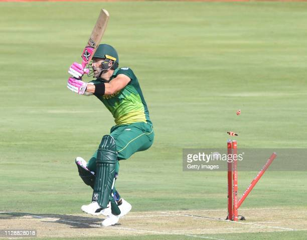Faf du Plessis of South Africa bowled by Thisara Perera of Sri Lanka during the 2nd Momentum ODI match between South Africa and Sri Lanka at...