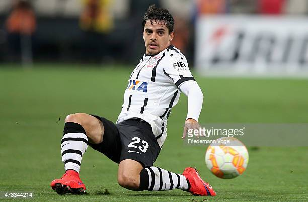 Fagner of Corinthians runs with the ball during a match between Corinthians and Guarani as part of round of sixteen of Copa Bridgestone Libertadores...