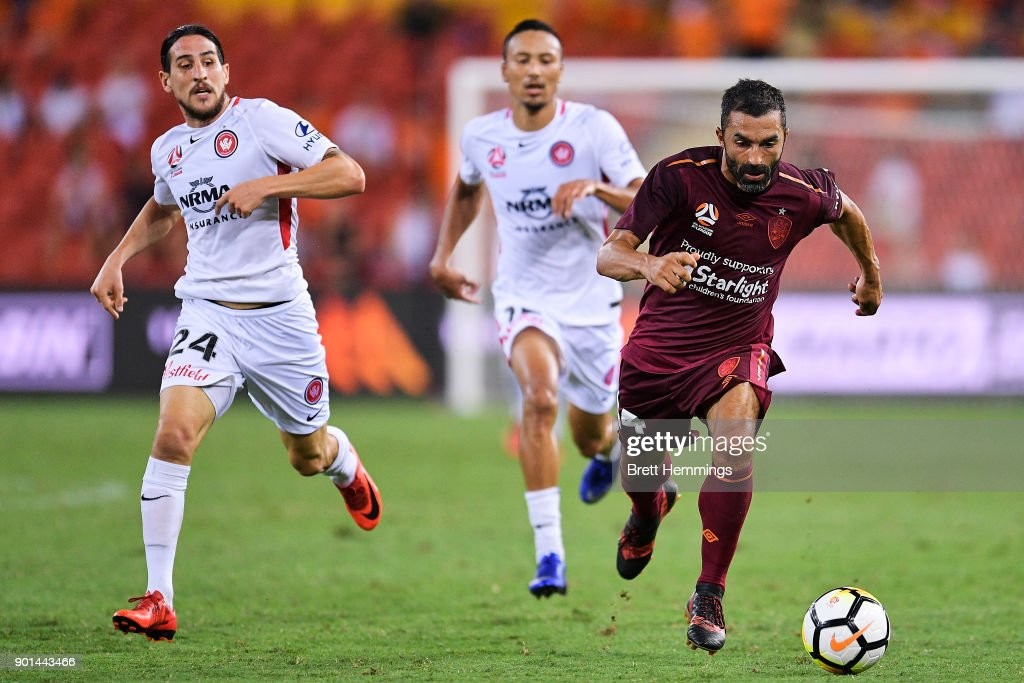 Fahid Ben Khalfallah of Brisbane runs the ball during the round 14 A-League match between the Brisbane Roar and the Western Sydney Wanderers at Suncorp Stadium on January 5, 2018 in Brisbane, Australia.