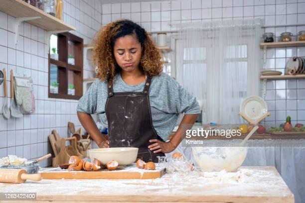 fail for preparing food - clumsy stockfoto's en -beelden