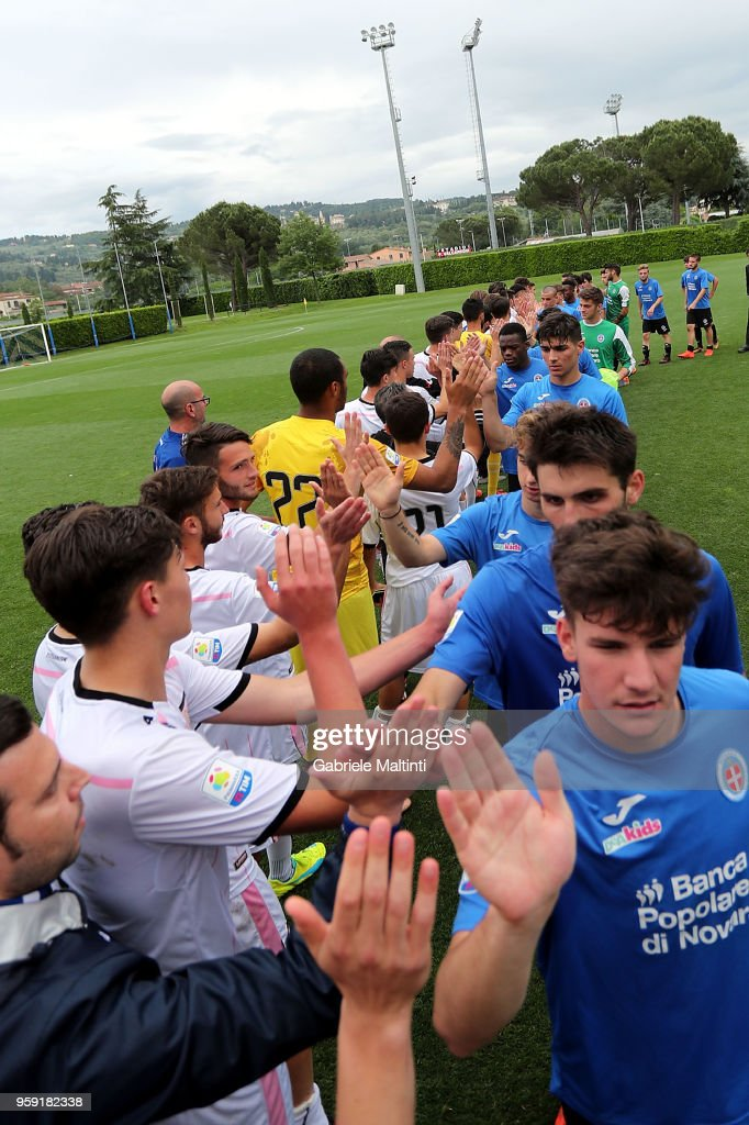 Fair play from the players of US Citta' di Palermo U19 and Novara U19 during the SuperCoppa primavera 2 match between Novara U19 and US Citta di Palermo U19 at Centro Tecnico Federale di Coverciano on May 16, 2018 in Florence, Italy.