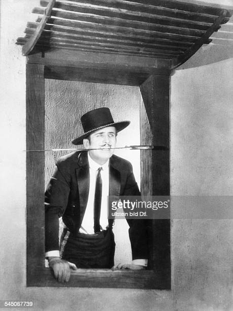 Fairbanks, Douglas, Sr. - Actor, director, screenwriter, producer, USA - *23.05.1883-+ Scene from the movie 'Don Q Son of Zorro'' Directed by: Donald...