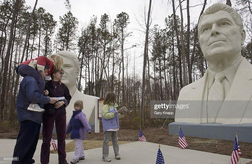 Park Displays 18-Foot Busts Of U.S. Presidents : News Photo