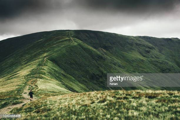 fairfield hoefijzer tocht - lake district stockfoto's en -beelden