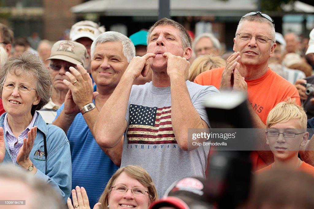 Republican Candidates Campaign At Iowa State Fair : News Photo