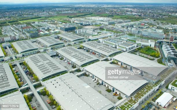 fairground halls, aerial view, muenchen-riem, munich, bavaria, germany - industriegebiet stock-fotos und bilder