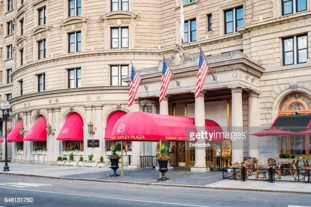 fairmont copley plaza hotel in der innenstadt von boston massachusetts, usa - copley square stock-fotos und bilder