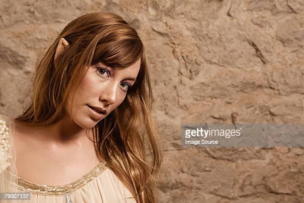 femme de conte de fées - pointu photos et images de collection