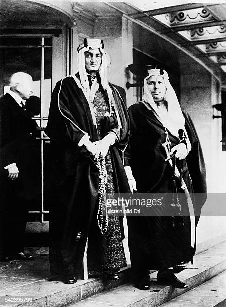 Faisal Ibn Abdalaziz1905 1975Koenig von Saudi Arabien 19641975Emir des Hedschas mit Begleiter vor einem Hotel inAmsterdam 1932
