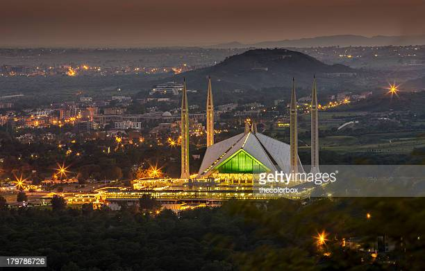 faisal mosque islamabad - islamabad stock pictures, royalty-free photos & images