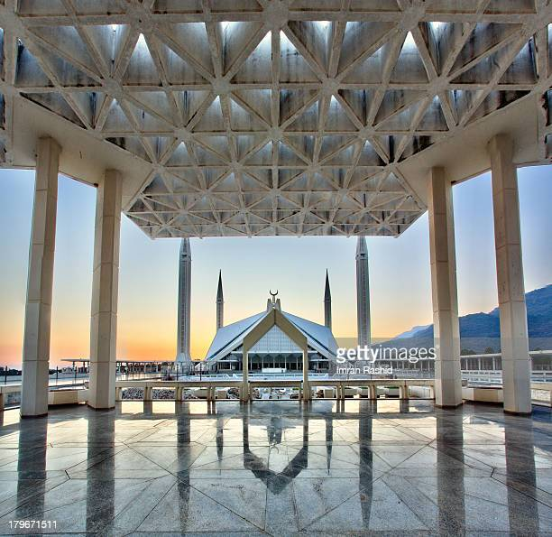 faisal mosque - islamabad stock pictures, royalty-free photos & images