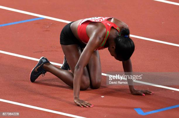 Faith Chepngetich Kipyegon of Kenya gold celebrates after winning the Women's 1500 metres final during day four of the 16th IAAF World Athletics...