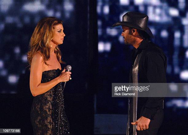 Faith Hill and Tim McGraw perform 'Like We Never Loved At All'