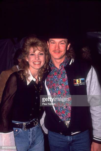 Faith Hill and Tracy Lawrence before a video shoot for the song Amazing Grace for the soundtrack of the film 'Maverick' at Amy Grant's farm in...