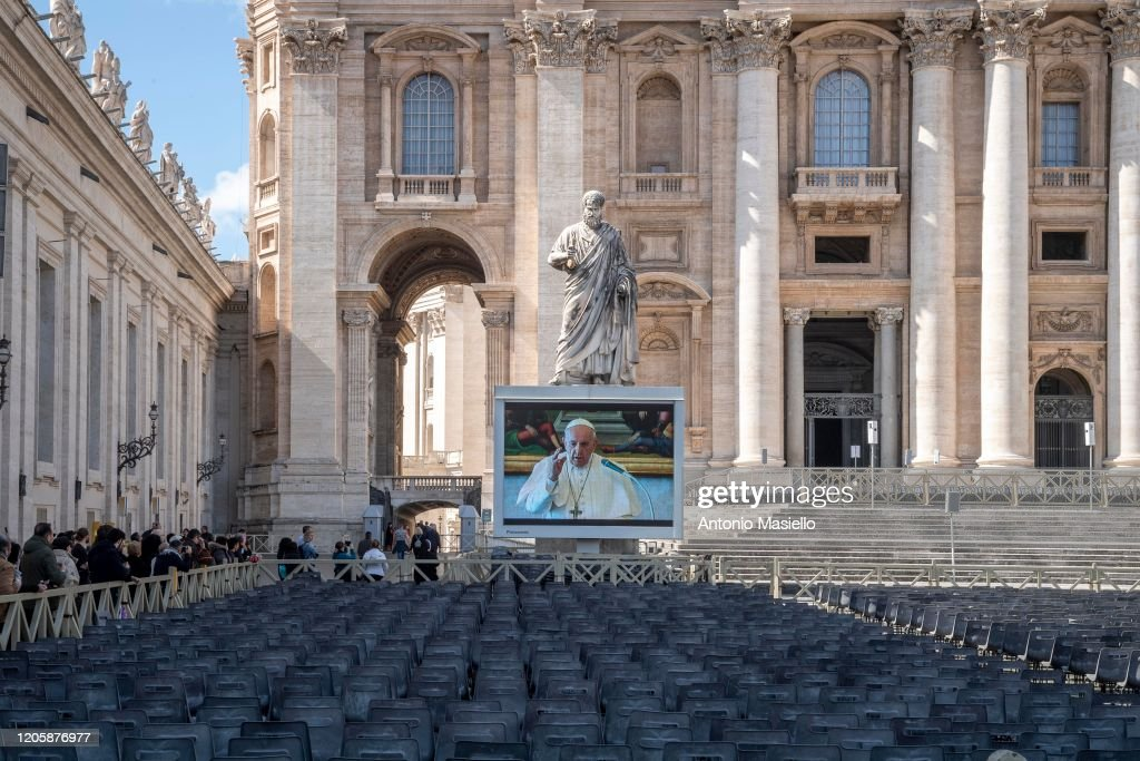 Italy Bans Public Gatherings Nationwide Over COVID-19 Worries : ニュース写真