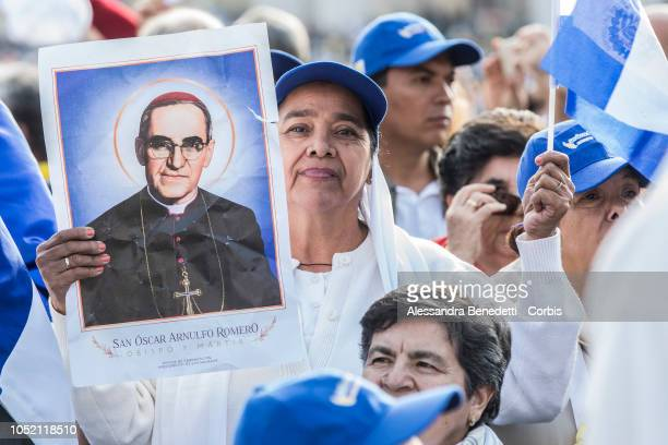 Faithfuls from Salvador attend the canonisation ceremony presided by Pope Francis of seven new Saints including Pope Paul VI and Archbishop Oscar...