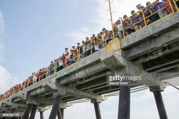 Faithfuls wait at the bay to see the statue of San Pedro saint of fishermen during San Pedro y San Pablo catholic celebration on June 29 2017 in La...