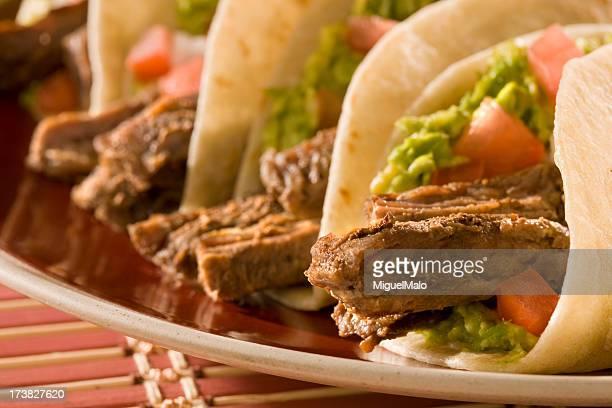 fajita tacos - carne assada imagens e fotografias de stock