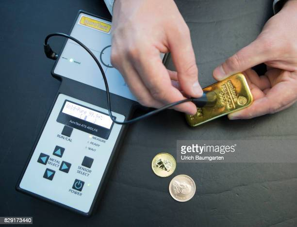 Fake gold reinforced in circulation Different test methods for authenticity here the measurement of the electrical conductivity of a 1000g gold bar...