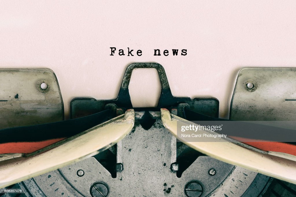 Fake News type on Vintage Typewriter : Stock-Foto